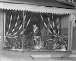 Frazier Cycle Company, Christmas window display